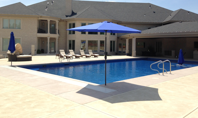 Pool With AutoCover & Table/Chairs in Pool