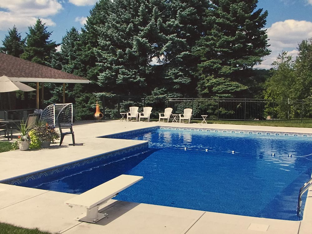 inground-pool-south-hills-pittsburgh-L-shaped-chairs