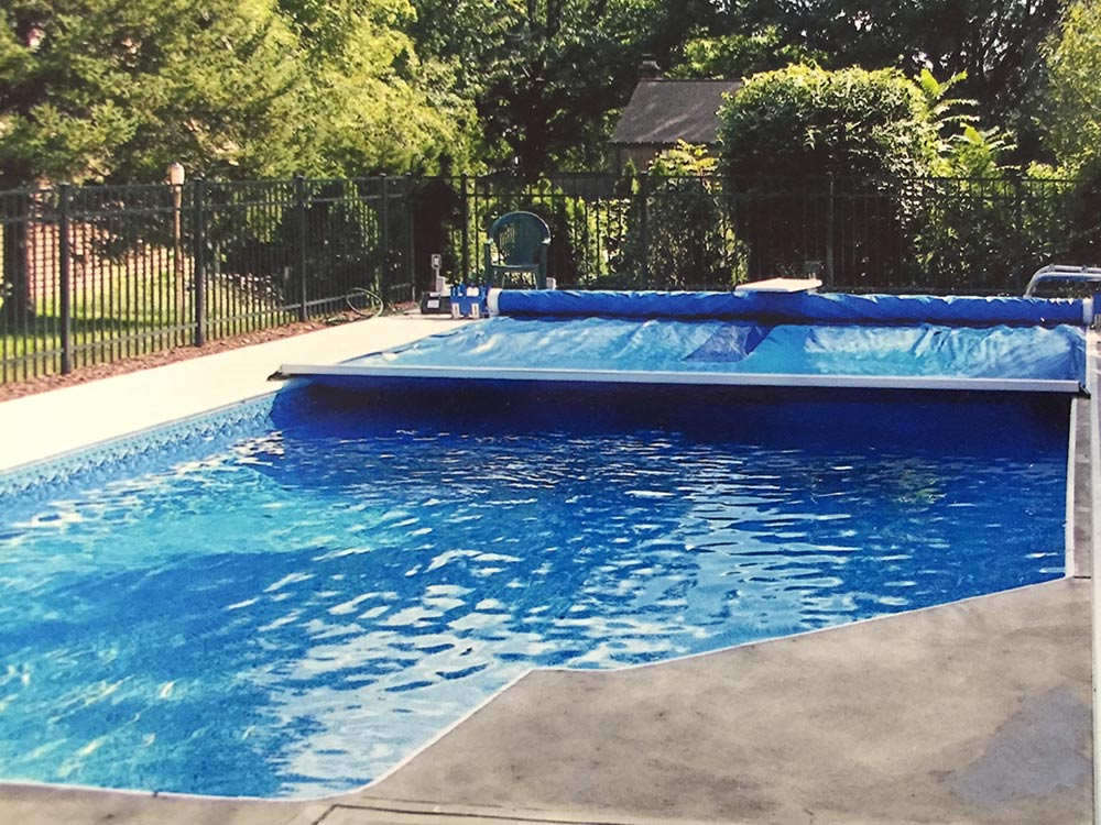 inground-pool-south-hills-pittsburgh-automatic-pool-cover