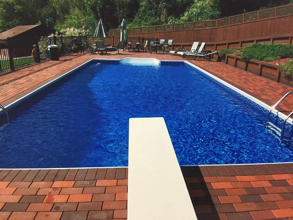 inground-pool-south-hills-pittsburgh-diving-board-steps