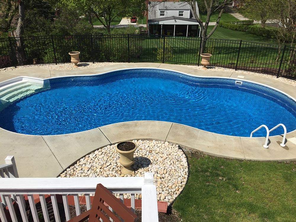 inground-pool-south-hills-pittsburgh-kidney-shaped