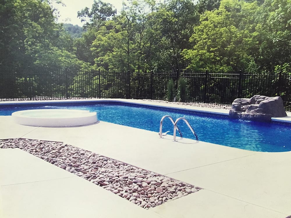 inground-pool-south-hills-pittsburgh-rocks-spa